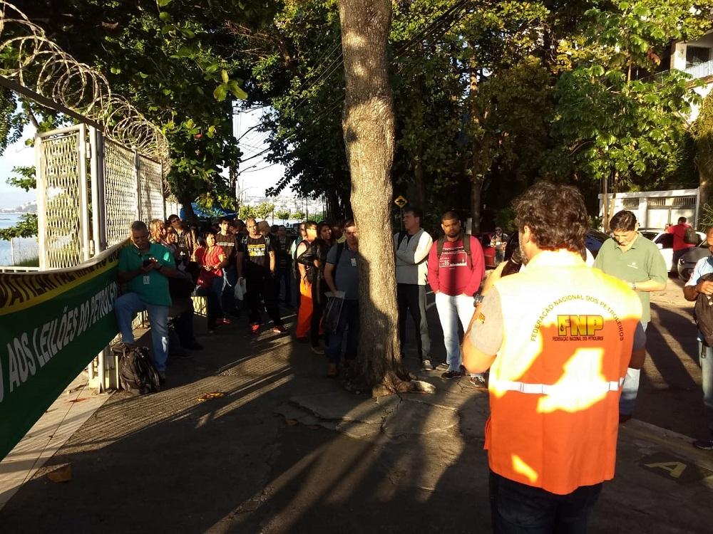Já começou a Greve Nacional Petroleira em todo o país! greve TABG 28 5