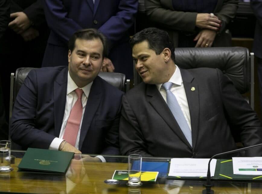 Eleições na Câmara e Senado: arrolados em delações da Lava Jato são eleitos para retirar direitos dos trabalhadores Maia e Alcolumbre 868x644